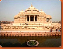 Akhsardham Temple - attractions during golden triangle tour
